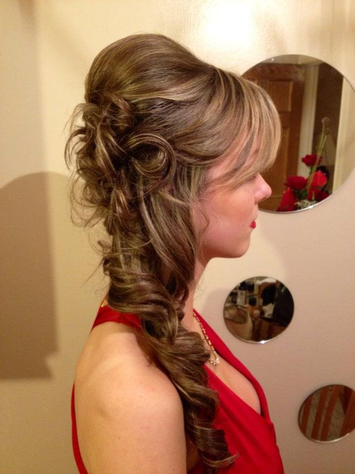 what hairstyle goes with a strapless dress